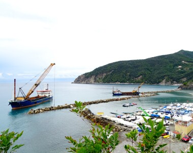 Dams consolidation reef in front of Moneglia