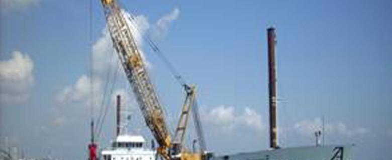 Scavo dei canali portuali