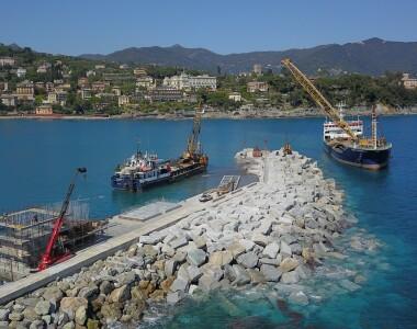 Intervento di ripristino del molo di sopraflutto del Porto di Santa Margherita Ligure